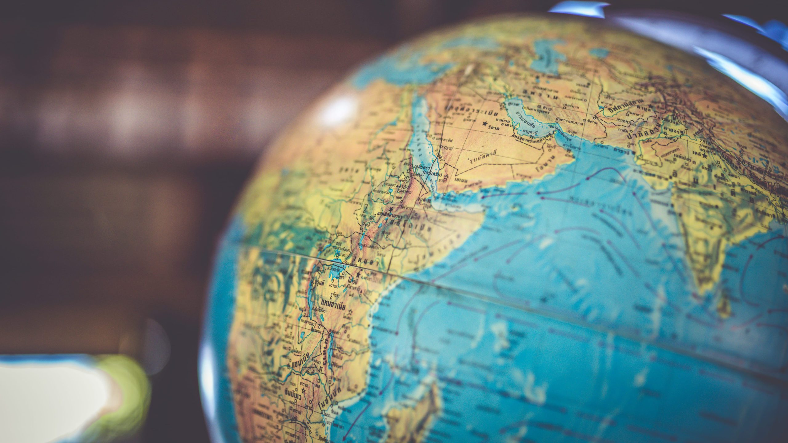 Globalisation: What Are the Pros and Cons for Expanding Businesses?